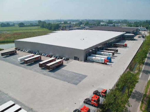 Dakbedekking warehouse Zaltbommel