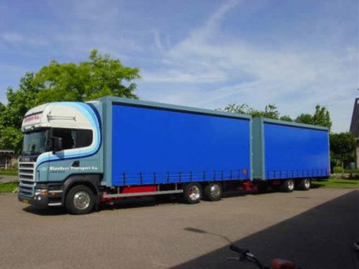 Schuifzeilen vrachtwagen