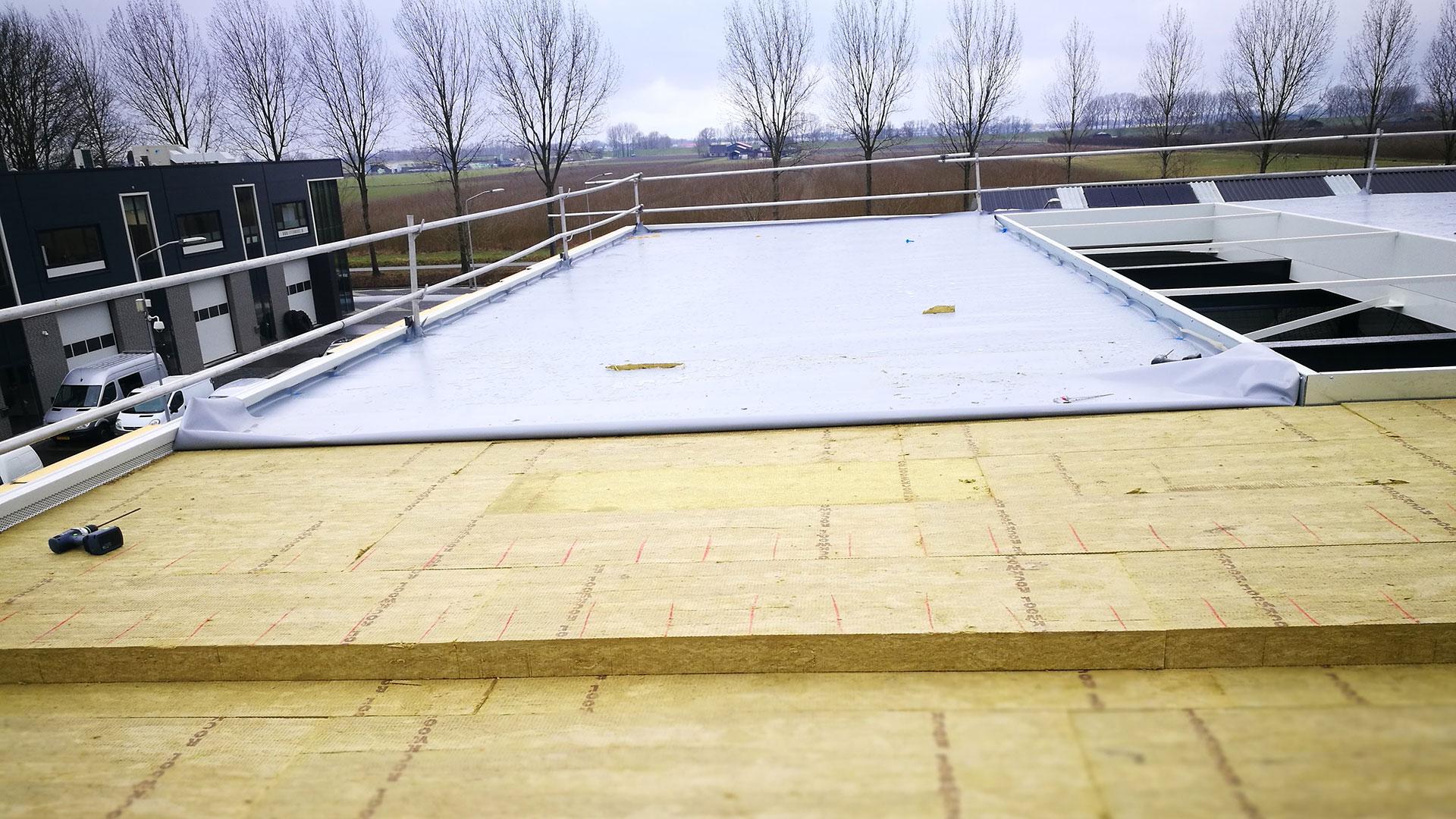 Nieuwbouw bedrijfshal Horaplan® dakbedekking