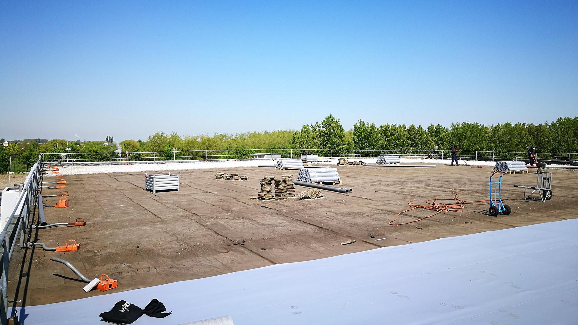 Renovatie dakbedekking vrieshuis frietfabriek Oudenhoorn (Ballastdak)