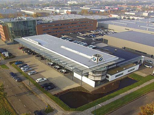 Renovatie dakbedekking BMW dealer Woerden