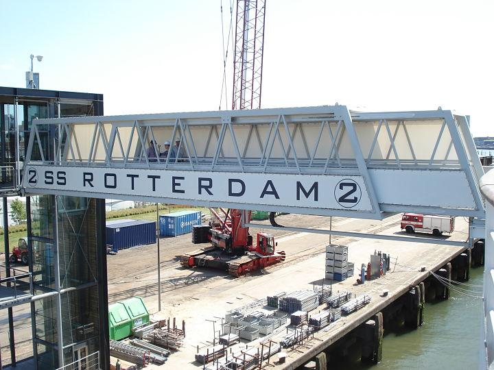 Zeilen aan bruggen SS Rotterdam